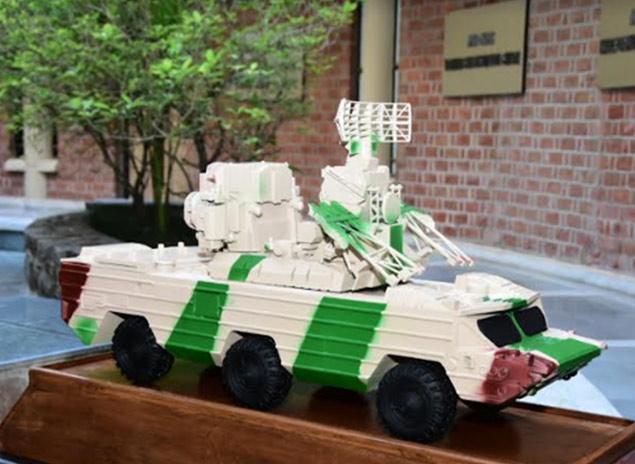Scanning & 3D Printing of Combat Vehicle